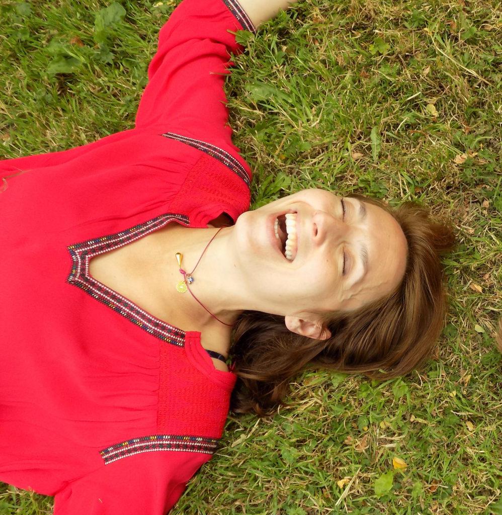 Emilie, yoga du rire